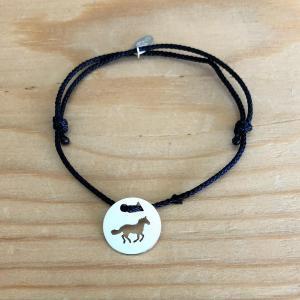 Cheval galop brac cordon