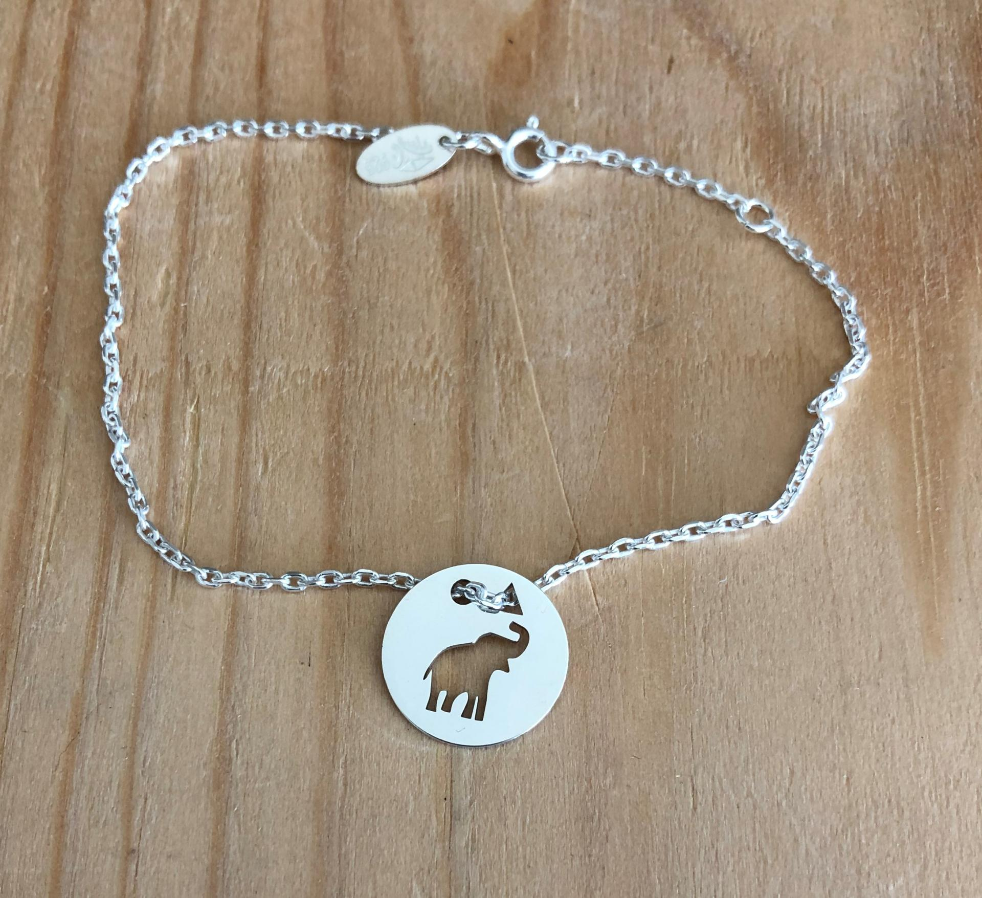 Elephanteau brac chaine