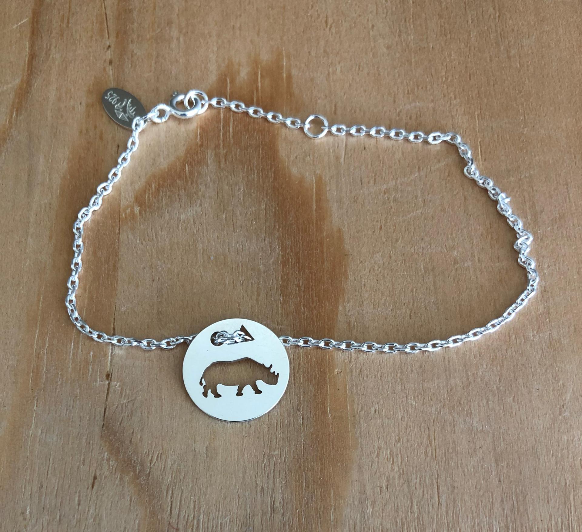 Hippopotame brac chaine