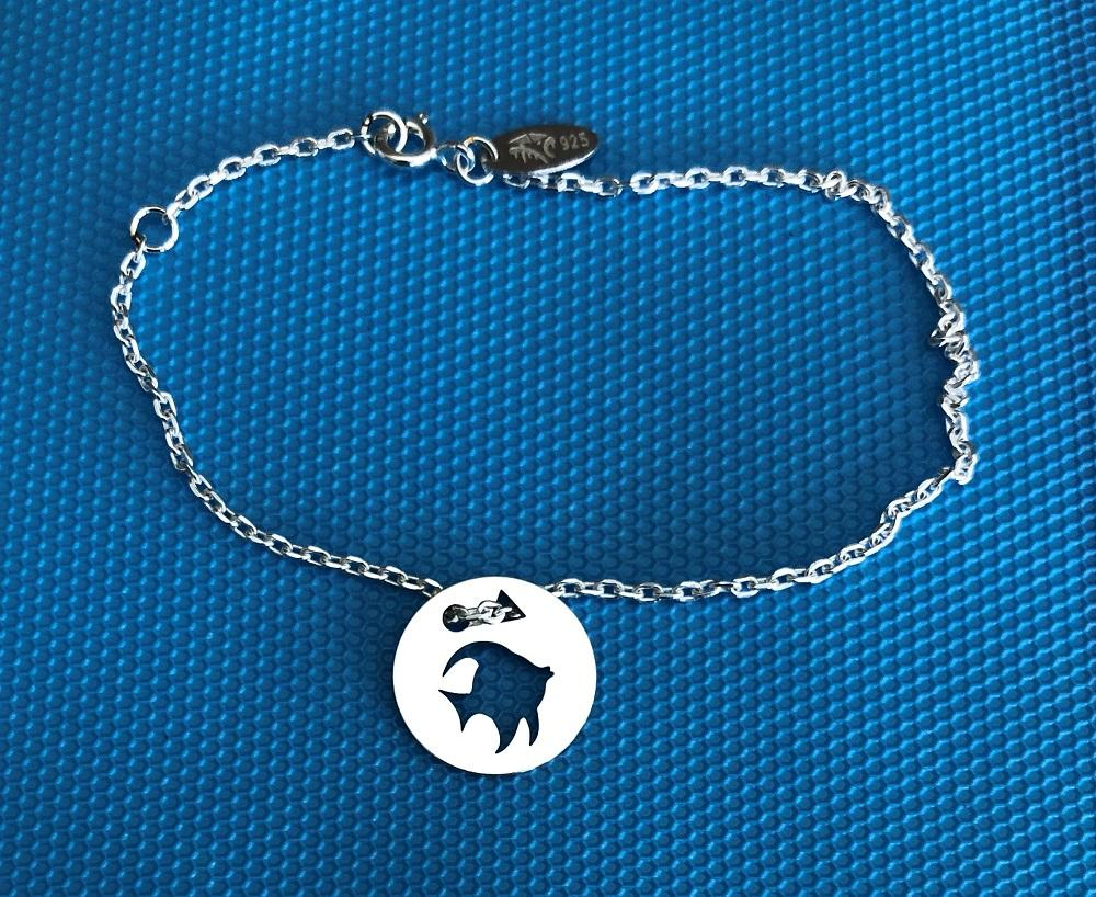 Poisson brac chaine bleu